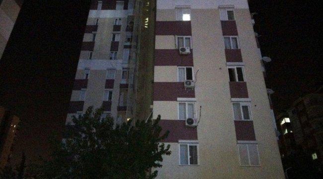 Antalya'da 12 katlı bir binanın 5'inci katından düşen kadın hayatını kaybetti