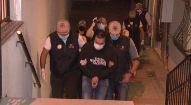 İstanbul'da FETÖ terör örgütü üyesi olduğu tespit edilen birçok adrese ...
