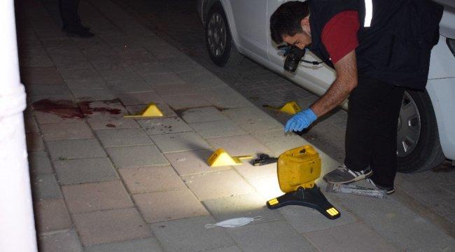 Malatya'da husumetli olan iki kişi arasında yaşanan silahlı kavgada 1 k...