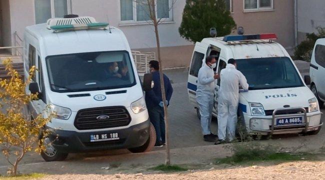 Muğla'nın Milas ilçesinde yalnız yaşayan bir kişi evinde ölü bulundu