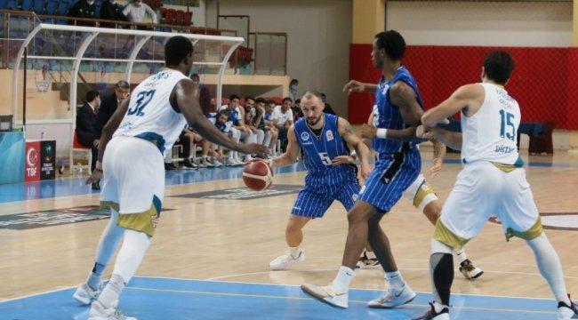 Erkekler Basketbol 1. Ligi'nde Kocaeli Büyükşehir Belediyesi Kağıtspor ...