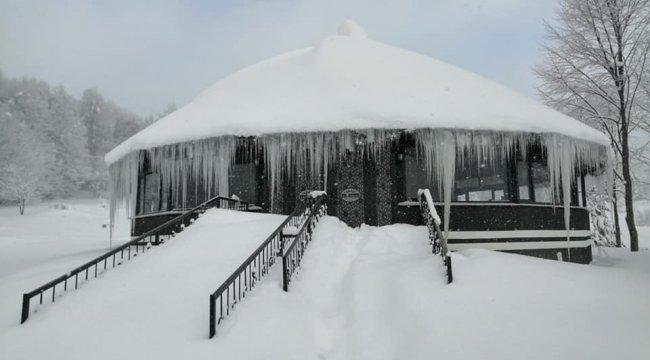 Kütahya'nın Domaniç ilçesinde kar yağışı sonrası Koca Yayla Dağ Yolu...