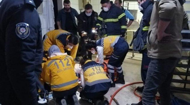 Tekirda'ın Kapaklı ilçesinde meydana gelen olayda yük asansörün altında...