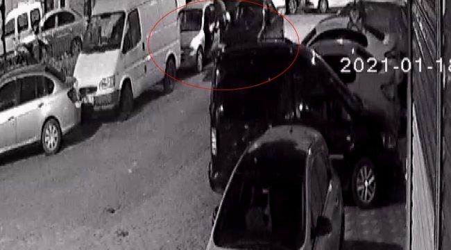 Zeytinburnu'nda MOBESE kameralarının altında park halinde bulunan otomo...