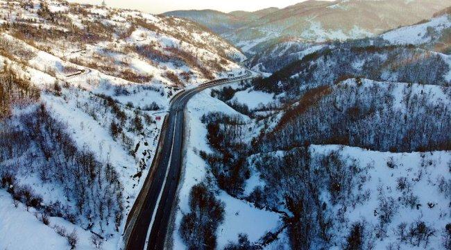 Zonguldak'ta yoğun kar yağışının ardından karla kaplı ormanlar doyumsuz...