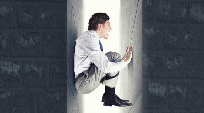 'Alan korkusu' olarak bilinen agorafobi sahibi bireylerde anksiyete...