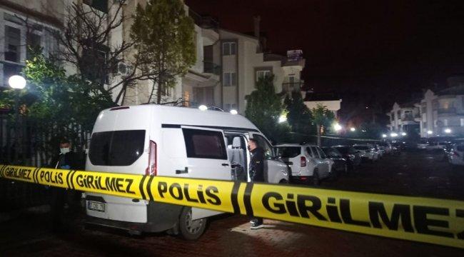 Antalya'da bir evde 4 kişi ölü bulundu.undefinedEdinilen bilgiye göre, Muratpa...