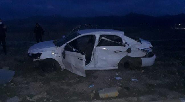 Afyonkarahisar'da tır ile otomobilin çarpışması sonucu; 3 kişi hayatını kaybetti, 2 kişi yaralı