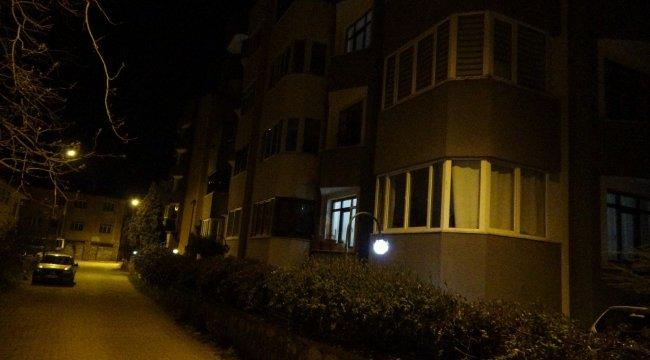 Karabük'ün Safranbolu ilçesinde 5 katlı bir apartman, birden fazla Covi...