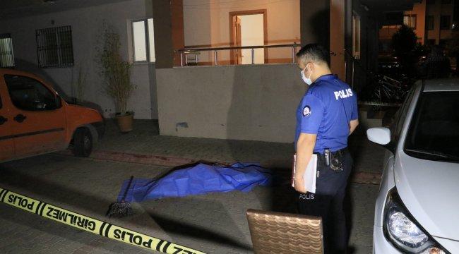 Adana'da 12 yaşındaki çocuk, 13. kattaki evlerinin balkonundan düştü