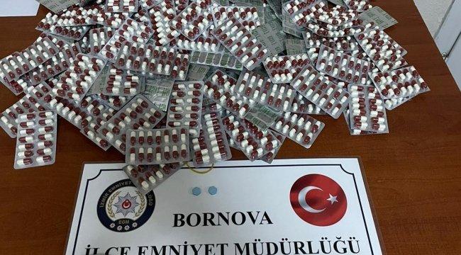 İzmir'in Bornova ilçesinde, izinli olan çarşı ve mahalle bekçisinin, tr...