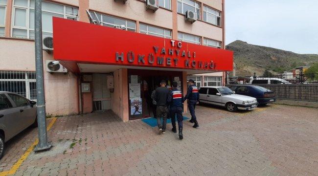 Kayseri'de 120 küçükbaş hayvanı tır ile çalan iki kişi jandarma ekipleri yakaladı