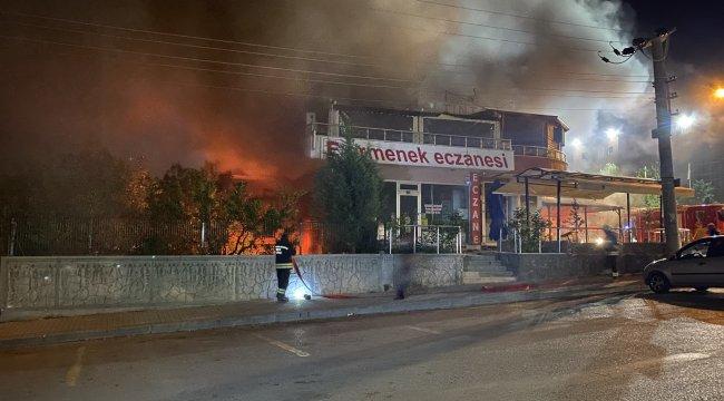 Konya'da bir lokantada patlamanın ardından çıkan yangında
