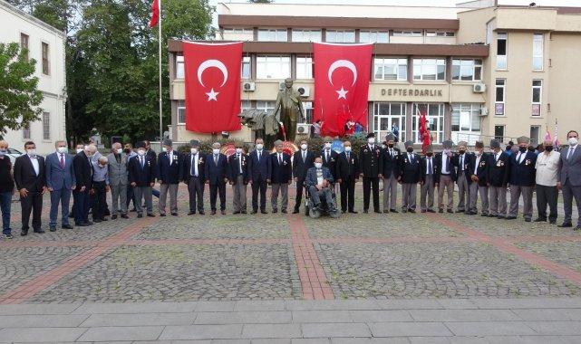 SİNOP (İHA) – Sinop'ta 19 Eylül Gaziler Günü düzenlenen törenle kutland...